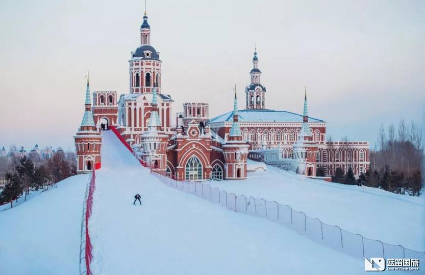 城堡滑雪图片